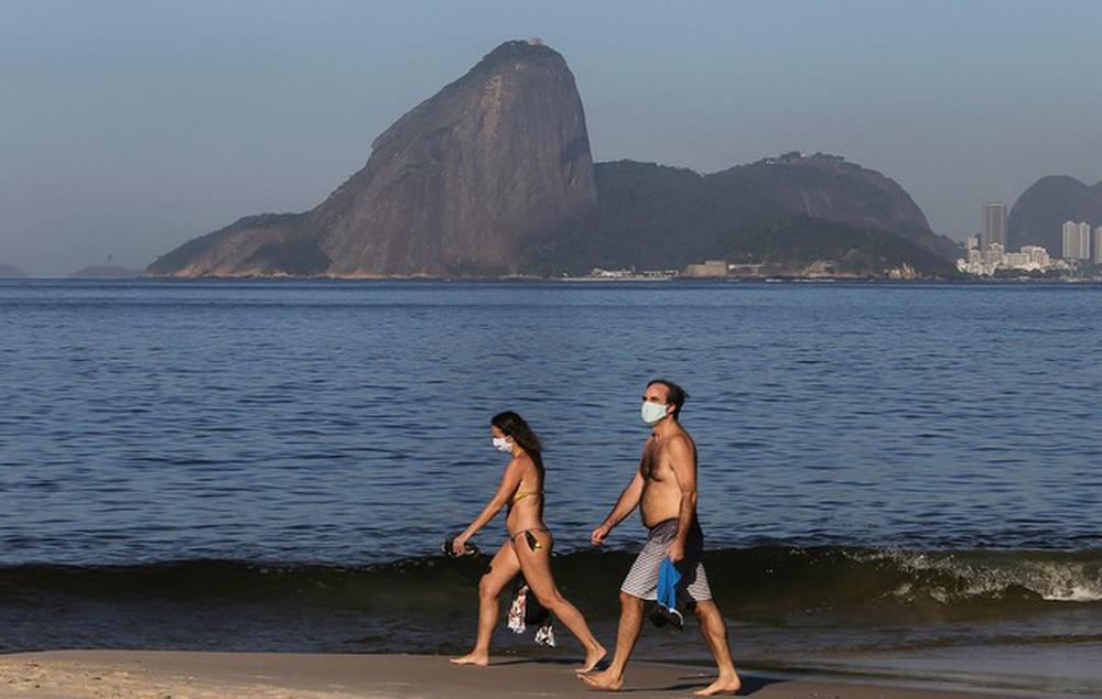Brazil cực nhọc vật lộn với COVID-19 - Ảnh 18.
