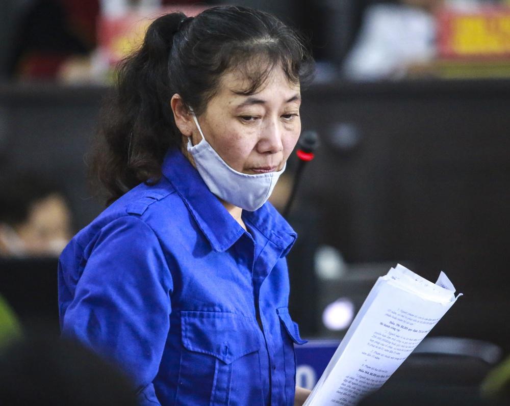 Bị cáo vụ gian lận điểm ở Sơn La: Nếu không làm, sẽ không tồn tại được - Ảnh 1.
