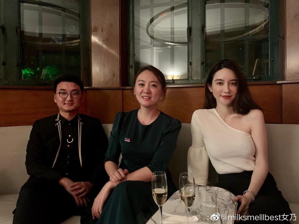 Vợ chủ tịch Taobao vừa được ví như tiên nữ đồng quê Lý Tử Thất phiên bản sang chảnh thì kẻ thứ 3 vội khoe ảnh chứng minh đẳng cấp - Ảnh 8.