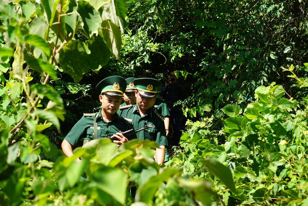 Truy bắt phạm nhân Triệu Quân Sự: Chó nghiệp vụ rút lui, mở rộng phạm vi tìm kiếm - Ảnh 1.