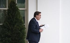 Thêm một Bộ trưởng Mỹ từ chức sau vụ bạo loạn tại Điện Capitol - ảnh 1