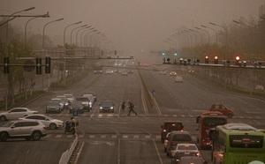 Bão cát từ Trung Quốc bao trùm toàn bộ đất nước Hàn Quốc - ảnh 1