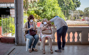 Lào phong tỏa thủ đô Vientiane với 18 biện pháp chặn COVID-19 - ảnh 1
