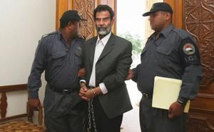 Cuộc bắt giữ và hành quyết cựu Tổng thống Iraq Saddam Hussein - Những thông tin lần đầu được hé lộ - ảnh 5