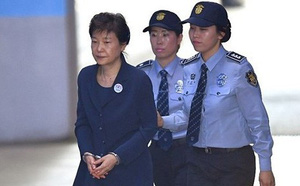 Phiên tòa xét xử lại bà Park Geun-hye kết thúc chỉ sau 5 phút - ảnh 1