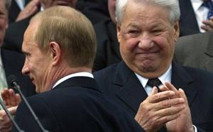 Video: Khoảnh khắc bối rối của nhà lãnh đạo Ukraine lần đầu gặp Tổng thống Putin - ảnh 1