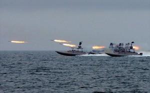 Mỹ thử nghiệm tên lửa chống tăng trên tàu chiến ven bờ - ảnh 3