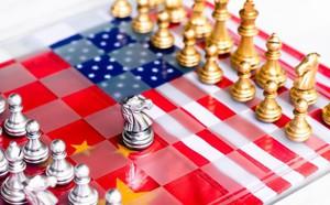 Nói Trung Quốc chịu đau giỏi hơn Mỹ, cựu Đại sứ thời Obama muốn nhắn nhủ gì tới TT Trump? - ảnh 1