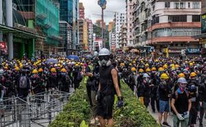 Phóng viên đại lục bị bắt trói, Lục quân TQ lập tức đe dọa: Từ Thâm Quyến tới Hồng Kông chỉ có mất 10 phút! - ảnh 2