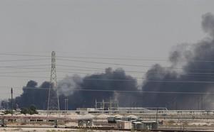 Lửa cháy ở Trung Đông, Mỹ bất ngờ được trao cơ hội vàng: TQ đang toát mồ hôi hột trước viễn cảnh tồi tệ nhất? - ảnh 1