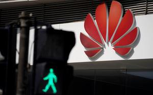 Nghị sĩ Mỹ: Trung Quốc đang tống tiền Ấn Độ về Huawei - ảnh 1