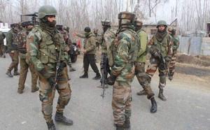 Đấu súng ác liệt ở Kashmir: Ấn Độ muốn Pakistan cầm cờ trắng để dọn thi thể binh lính - ảnh 1