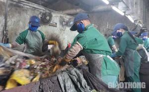Vụ bao tải chứa thai nhi rơi giữa đường: Người làm rơi có hoạt động từ thiện chôn cất thi thể thai nhi - ảnh 2