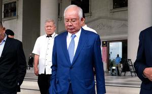 """Ngoại trưởng Malaysia gọi Ngoại trưởng Trung Quốc là """"anh trai"""" - ảnh 1"""