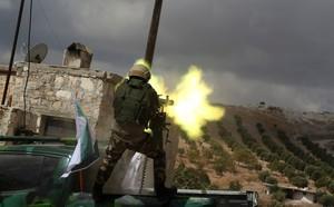 Iran tập trận sát biên, cảnh báo Thổ dừng bắn phá Syria - ảnh 2