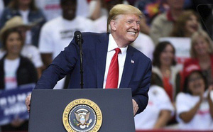 Thêm một cố vấn cấp cao của Tổng thống Donald Trump từ chức - ảnh 1