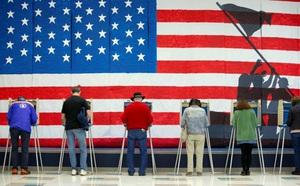 Tăng tốc đảo chiều sau thất bại luận tội tổng thống, phe Dân chủ Mỹ 'nói dễ hơn làm'? - ảnh 2