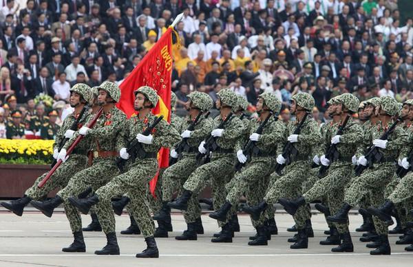 Báo Nga: Việt Nam sẽ mua nhiều vũ khí vượt Trung Quốc?