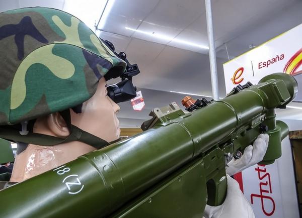 Trung Quốc giới thiệu 'bản sao' tên lửa Igla-S của Nga