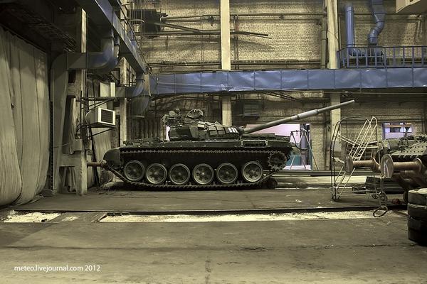 Xe tăng T-72 trong nhà máy số 61.