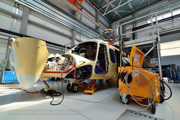 Các nhà báo và khách tham quan khi tới nhà máy trực thăng Moscow chỉ được phép tới xưởng sản xuất HeliVert – nơi máy bay trực thăng Agusta Westland 139 của Italia được lắp ráp. Loại máy bay này đã xuất hiện tại triển lãm trực thăng Heli Russia 2013 mới đây.