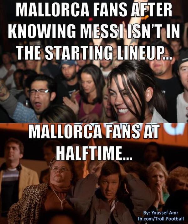 Hình ảnh CĐV Mallorca khi nghe tin Messi không ra sân. Và khi hết hiệp 1...