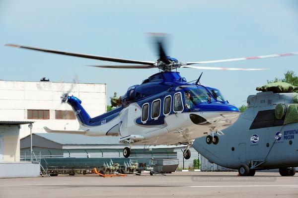 Một chiếc trực thăng Westland 139 cất cánh khá êm ái. Nó có thể đạt vận tốc lên tới 300 km/ giờ.