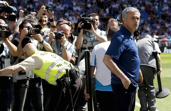 Mourinho ra đi vẫn khiến Real Madrid loạn