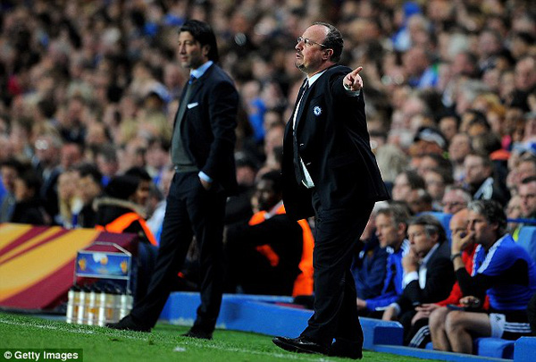Chelsea vào chung kết, Benitez nghiêm cấm nhậu nhẹt