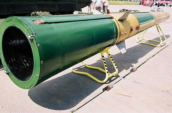 Đạn tên lửa 9M83M (nặng 3,5 tấn) thiết kế để tiêu diệt mục tiêu tên lửa đạn đạo tầm ngắn – tầm trung ở tầm 40km, độ cao 25km, tốc độ bay Mach 10.