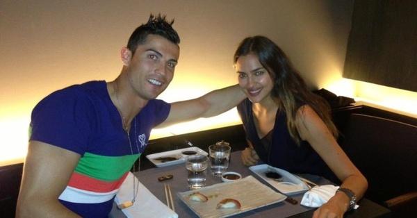 Rô điệu khoe ảnh hạnh phúc bên Irina Shayk