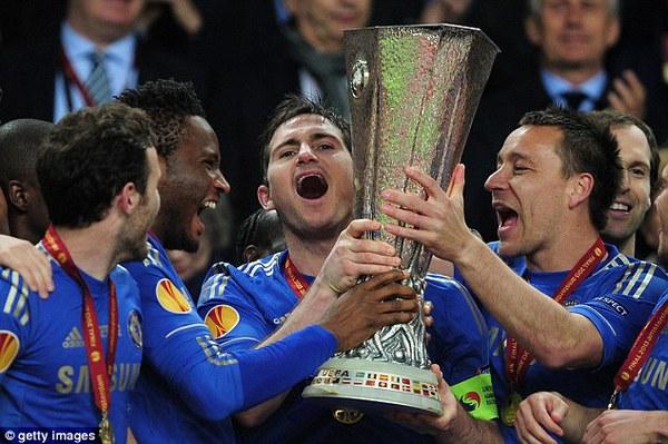 Lampard sẽ ở lại Chelsea thêm 1 năm nữa