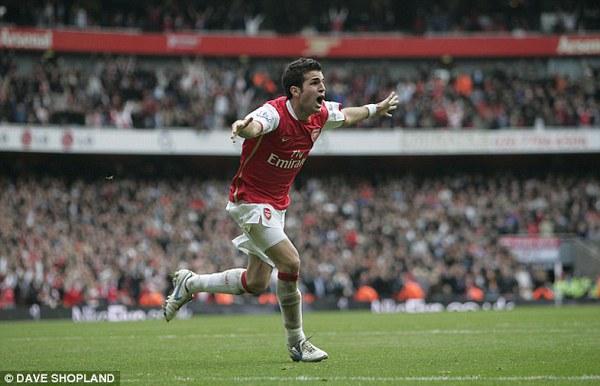 Cesc Fabregas từng thi đấu rất thành công tại Premier League trong màu áo Arsenal