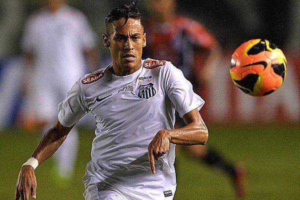 Neymar xác nhận về Barca