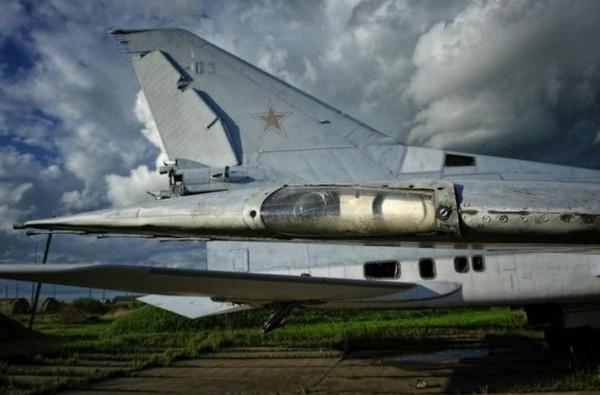 Tu-22M được đưa vào sử dụng lần đầu tiên trong chiến tranh là trong cuộc chiến của Liên Xô ở Afghanistan từ 1987 tới 1989 với vai trò tương tự như B-52 của Mỹ trong chiến tranh Việt Nam.