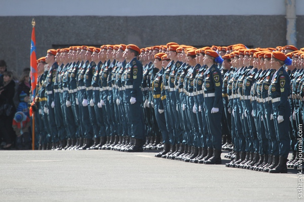 Xem nữ quân nhân Nga đẹp lộng lẫy trong lễ diễu binh