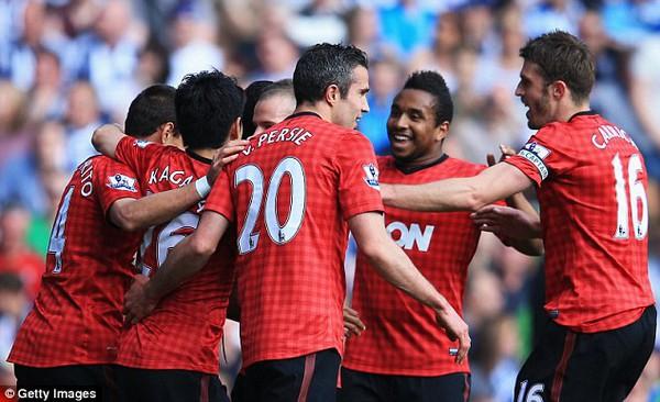 Man United vô địch, Van Persie cũng đoạt Vua phá lưới