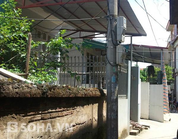 Ngôi nhà hai mẹ con chị Nhung sống cạnh bố mẹ đẻ