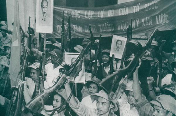 Tiểu liên K50 được Liên Xô và Trung Quốc viện trợ, sau đó còn tiếp tục đóng vai trò quan trọng trong các cuộc chiến tranh giải phóng và bảo vệ Tổ quốc, được các lực lượng vũ trang Việt Nam sử dụng rộng rãi trong giai đoạn đầu kháng chiến chống Mỹ và chiến tranh biên giới phía Bắc năm 1979.