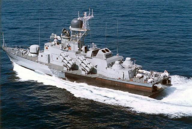 Mỗi tàu lớp Molniya được trang bị tới 16 tên lửa Kh-35E
