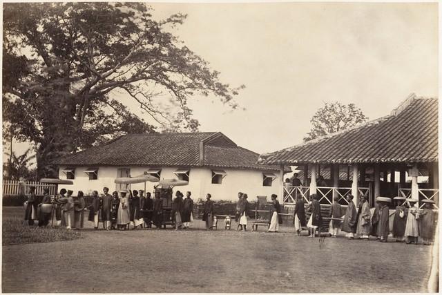 Đám cưới mang đậm chất truyền thống tại đình làng. Ảnh chụp 1866.