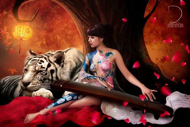 Hot girl Nga Tây với bộ ảnh nude chụp body painting gây sốt