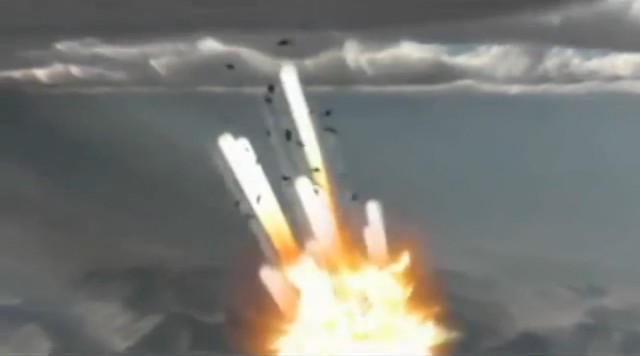 Tên lửa do hệ thống phòng không S-300 của Nga nổ tung trên bầu trời.