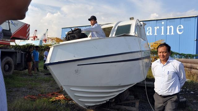 Chiếc ca nô trong vụ chìm tại Cần Giờ chờ tới 30 người