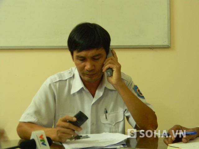 Ông Phạm Hiển giám đốc trung tâm phối hợp tìm kiếm cứu nạn khu vực 3 cho biết công tác cứu nạn vẫn đang tiếp tục và thuyền trưởng tàu cá đang mất tích.