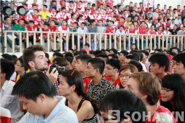 Có không ít fan đến từ Anh Quốc cũng tham gia sự kiện này.