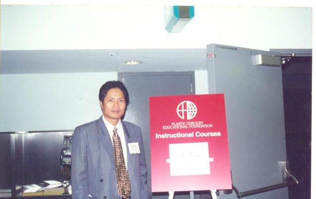 Bác sĩ Cao Ngọc Bích, Phó Chủ tịch Hội Phẫu thuật Thẩm mỹ TP. HCM, Trưởng khoa Phẫu thuật Thẩm mỹ bệnh viện An Sinh.