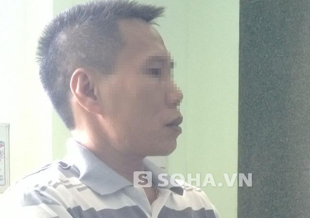 Ông Phạm Xuân K. trao đổi với PV