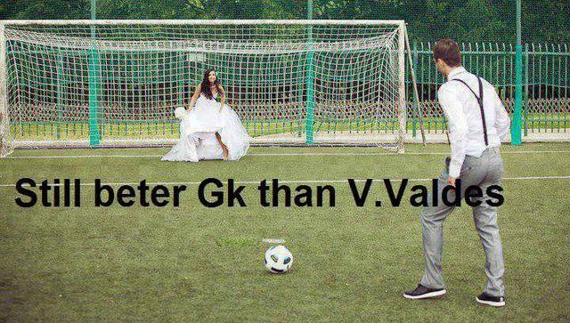 Trình bắt bóng vẫn còn hơn Victor Valdes