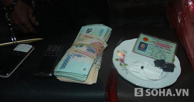 Những đồ nghề tinh vi như thế này, có thể bịp rất nhiều người tham gia cờ bạc.